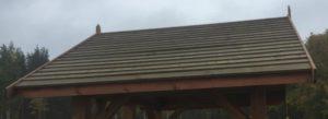 Беседка с крышей