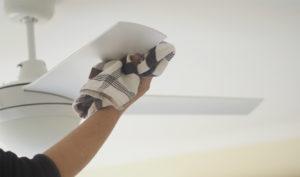 Как помыть светильник