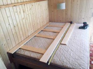 Лучшая двухъярусная кровать из дерева своими руками - недорого